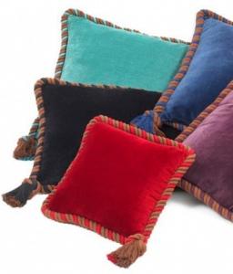 Декоративные подушки Eichholtz